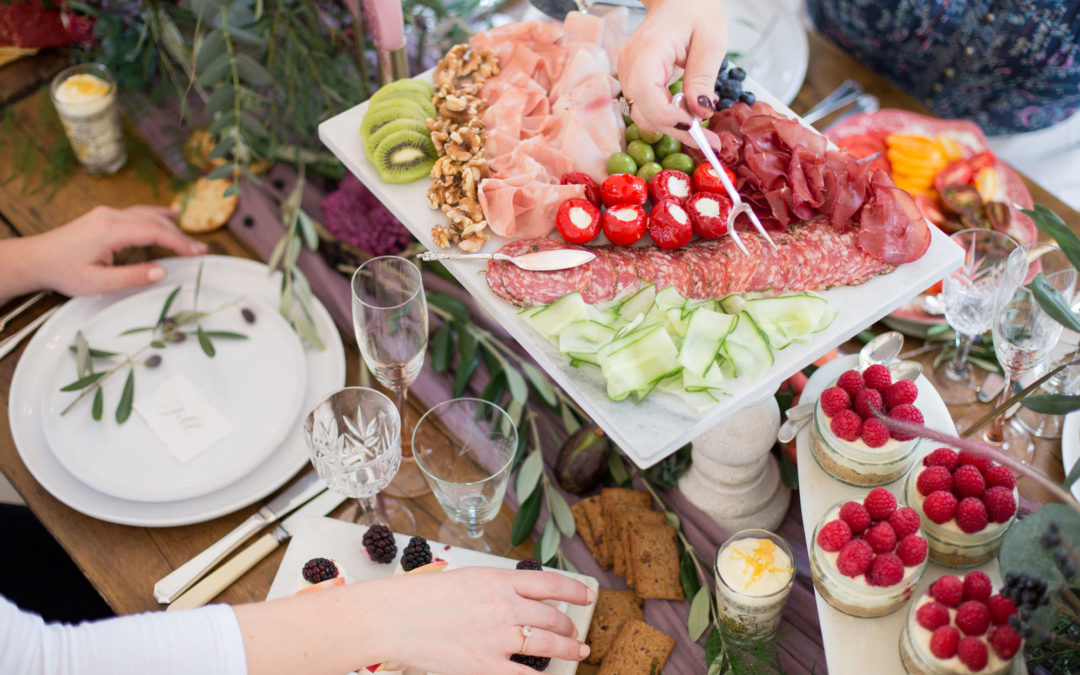 How to Choose Your Wedding Catering Style